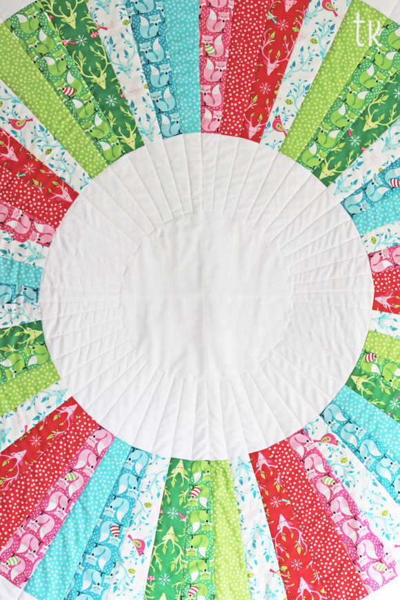 tamara kate - festive wreath quilt2